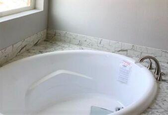 Master Bath with soak tub